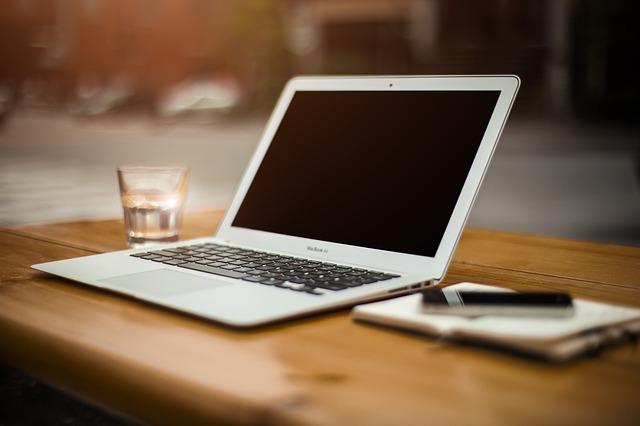 Hledání práce na počítači